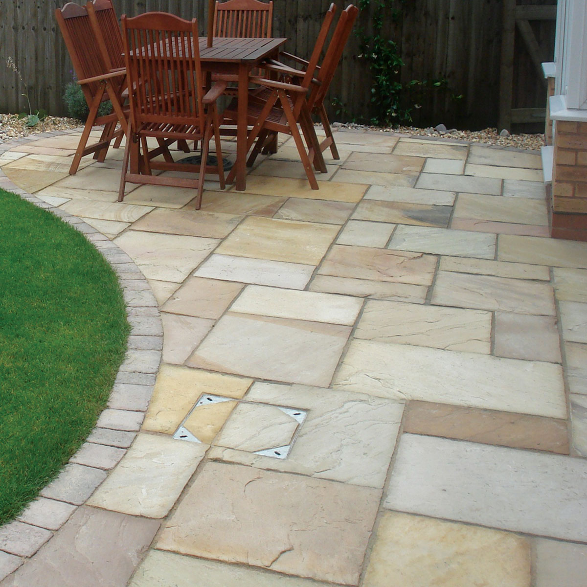 High Quality Zara Fossil Paving Stones Light Cream Buff Sienna Outdoor Flooring Slabs GTA