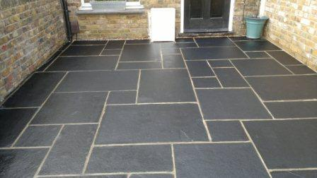 Machine Cut Pavers With Rock Face Copings